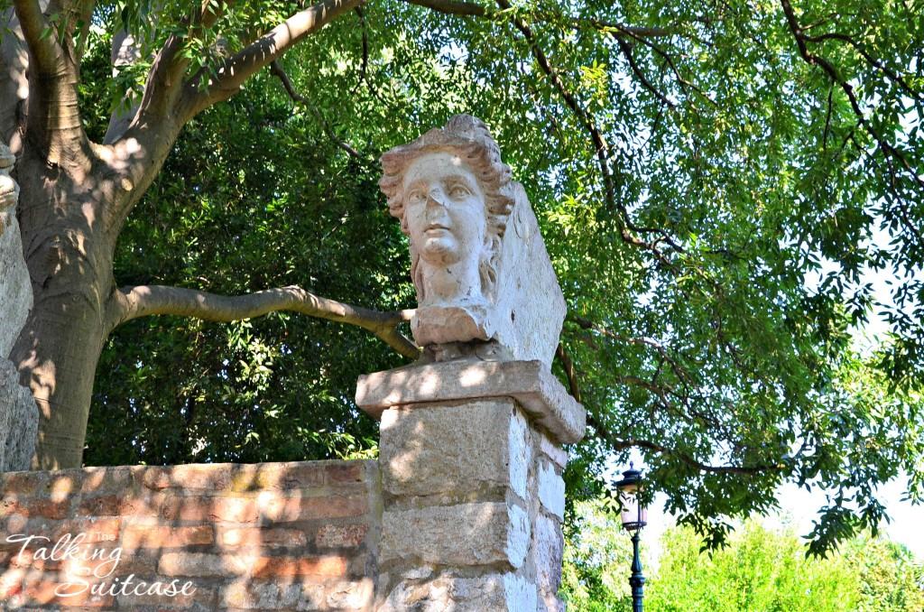 Women's Head Statue at Parco Villa Groggia in Venice